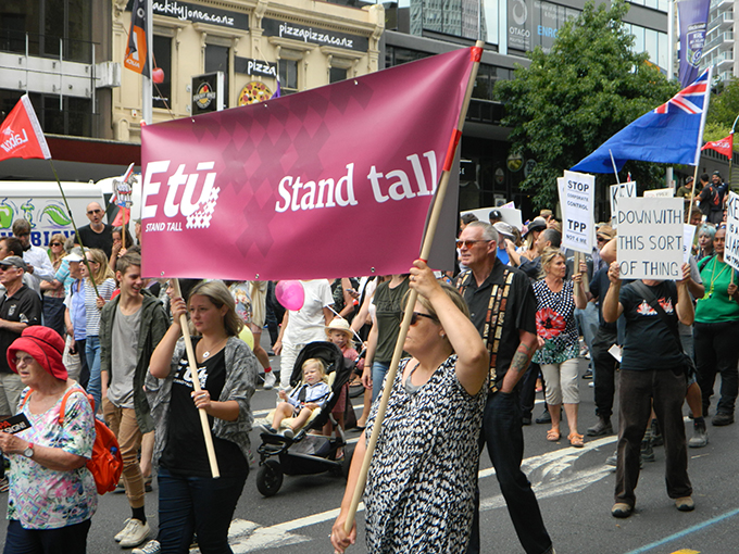 E Tu union supporters at the TPPA democracy rally in Auckland today. Image: Del Abcede/PMC