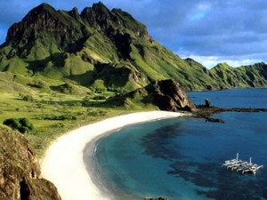 Flores Island ... tourist and cultural attractions. Image: Wikipedia
