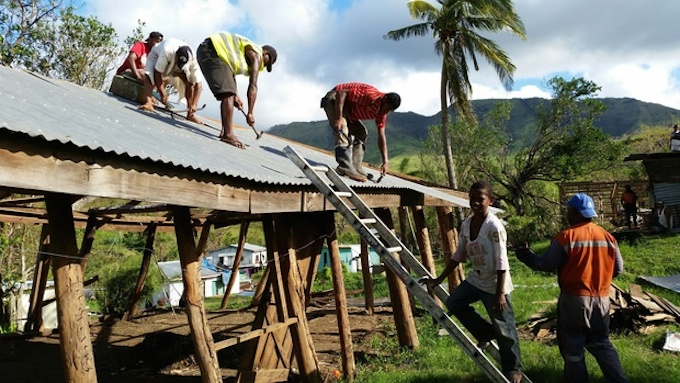 Rebulding in Fiji after Cyclone Winston. Image: Alex Perrrottet/Radio NZI