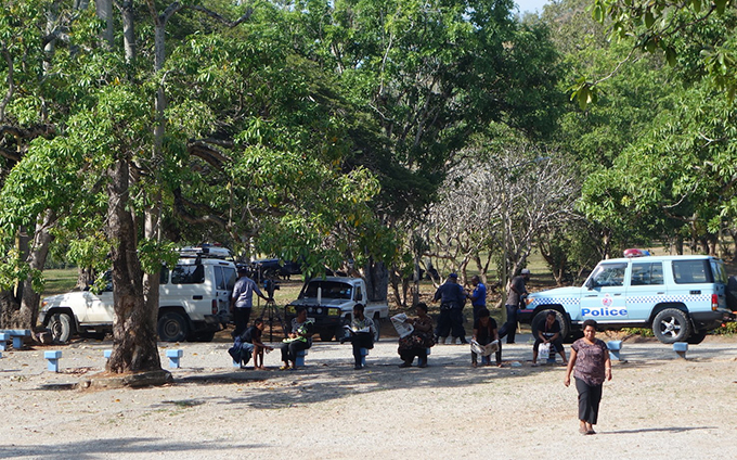Police and news media on UPNG's Waigani campus today. Image: Citizen Journalist