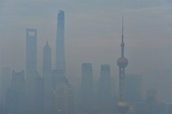 """Airpocalypse"" in Shanghai. Image: Greenpeace East Asia via Twitter"
