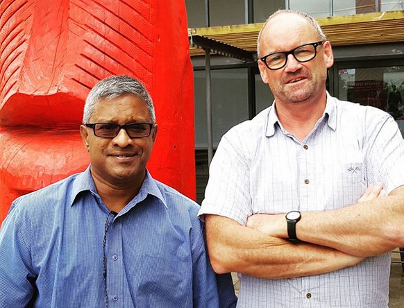 Sri Krishnamurthy (left) at the University of Auckland's Pacific Fale with NZIPR manager Dr Gerard Cotterell. Image: David Robie/PMC