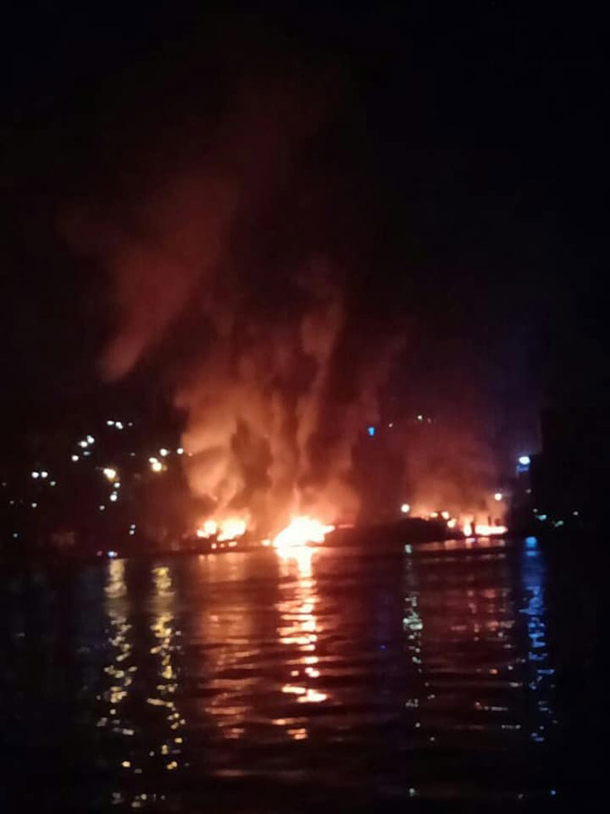 Jayapura buildings burn