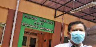 Jakarta hospital security giard
