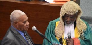 Vanuatu PM Bob Loughman