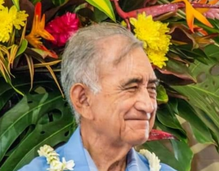 Tahiti's pro-independence leader Oscar Temaru suspends justice hunger strike