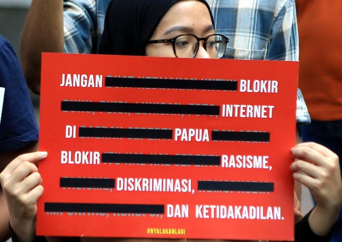Jokowi 'violates the law' for banning internet in Papua, court rules