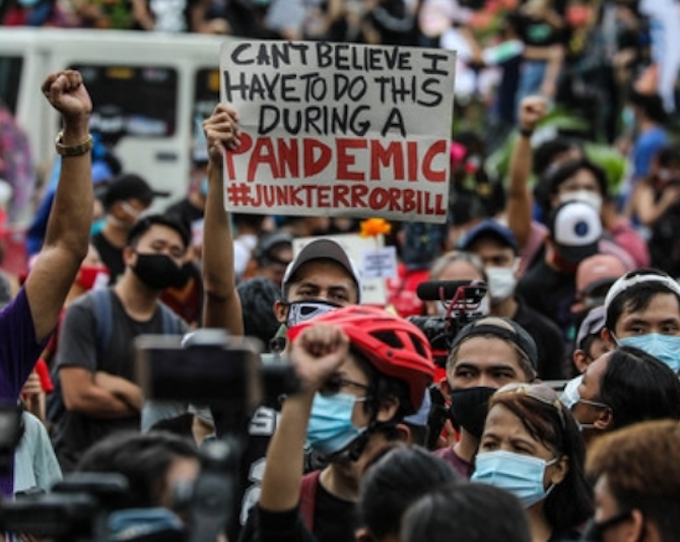 Police chief to Manila democracy protesters – 'Just do it online'