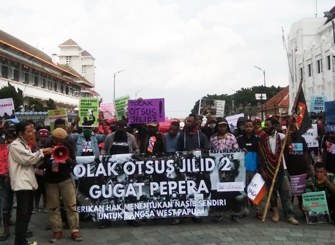 Papuan activists in Yogya protest against extended special autonomy