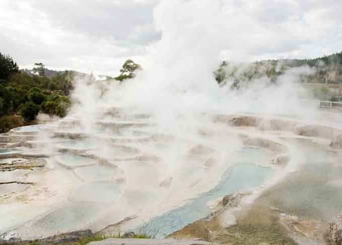NZ traveller who arrives in Japan with covid-19 visited Rotorua and Taupō