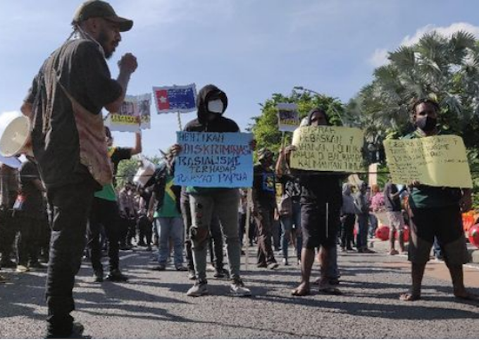 Police forcibly disperse student protest against Special Autonomy in Jayapura