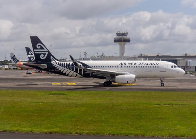Air NZ covid case not linked to New Zealand genomes – one new case