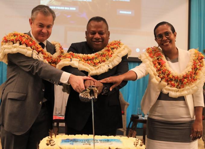 Fiji police powers cake