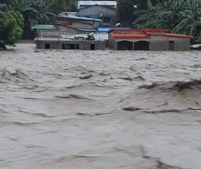 Dili floodwaters