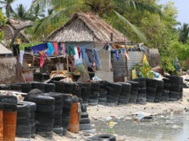 Pacific villagers protest shoreline