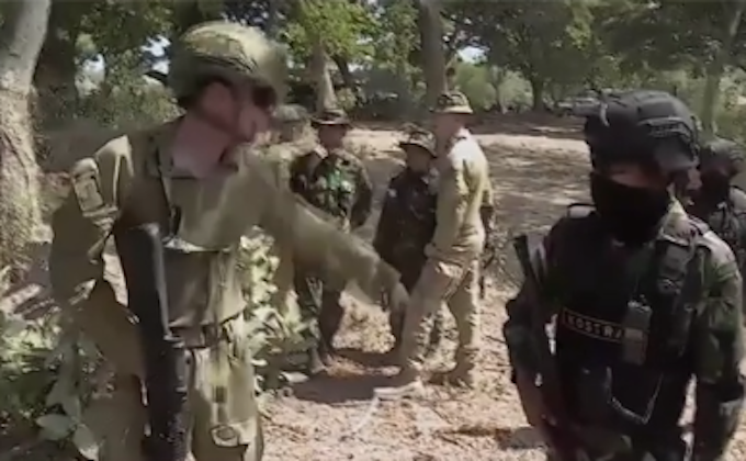 Australian troops training Indonesian forces
