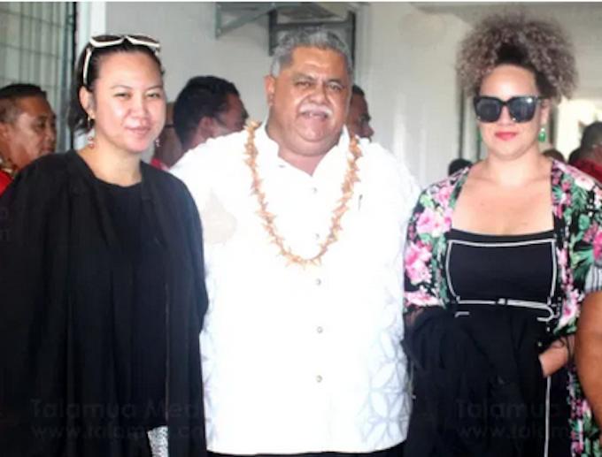 FAST deputy leader, La'aulialemalietoa Leuatea Polataivao with lawyers