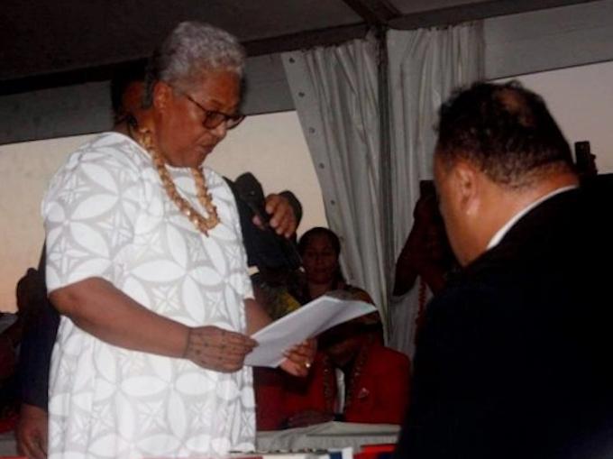Fiame Naomi Mata'afa being sworn in