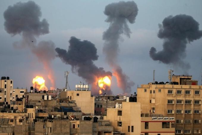 Osraeli bombs strike Gaza