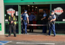 NZ police at Countdown