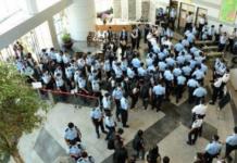 Hong Kong police raid on Apple Daily 180621