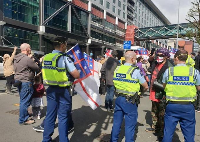 Anti-lockdown protest outside TVNZ