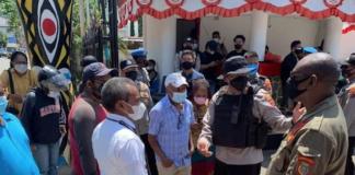 Police stop Rev Benny Giay