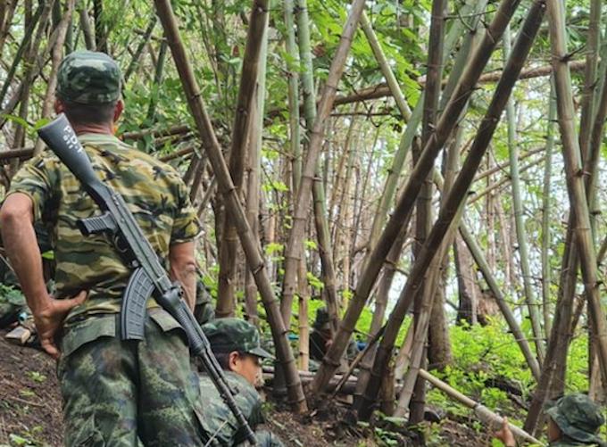 Burmese People's Defence Force (PDF) troops